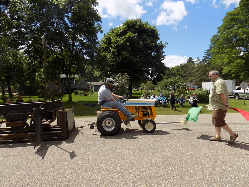 2017-fairhaven-old-settlers-days-fairhaven-mn-sneaky-pete-pullers.jpg