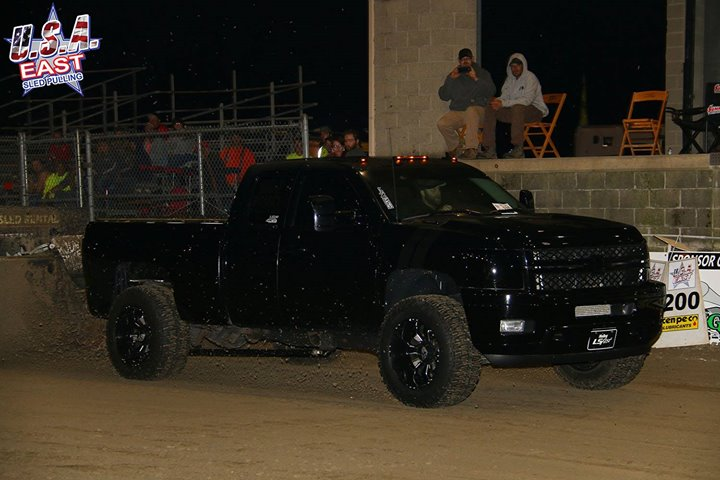 the-opening-leg-of-the-triple-crown-series-for-gas-4x4-trucks-was-contested-at-m.jpg