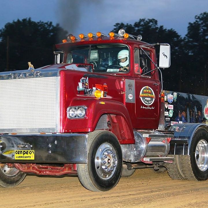 BIG RIGS SEASON TO BEGIN AT EXPO SPEEDWAY – Full Pull