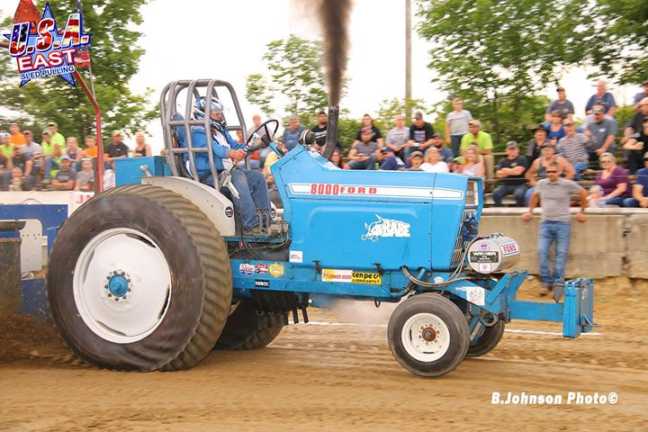the-hubner-seed-sponsored-hot-farm-tractors-made-their-first-usa-east-sanctioned.xx&oh=7c0d940f9e4c8c3446c1bb70d6c57257&oe=5D949ED7