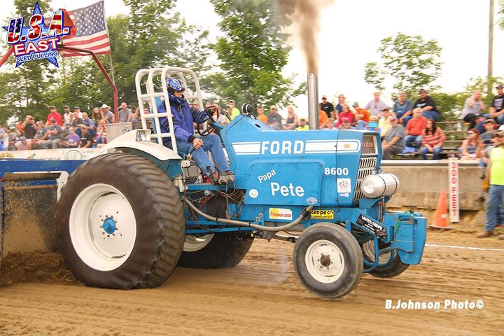 the-hubner-seed-sponsored-hot-farm-tractors-made-their-first-usa-east-sanctioned.xx&oh=e448e86b4e471d0f610cd798ecb295c2&oe=5D958D97