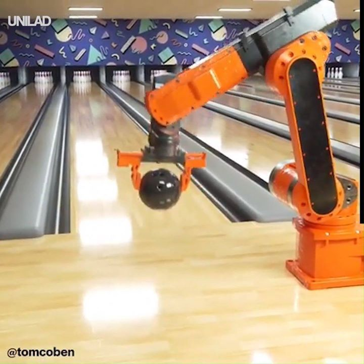 hope-your-4th-is-going-as-well-as-this-robots-bowling-game-strike-wow-be.xx&oh=2970f777154038becf074e0778101ecf&oe=5D825842
